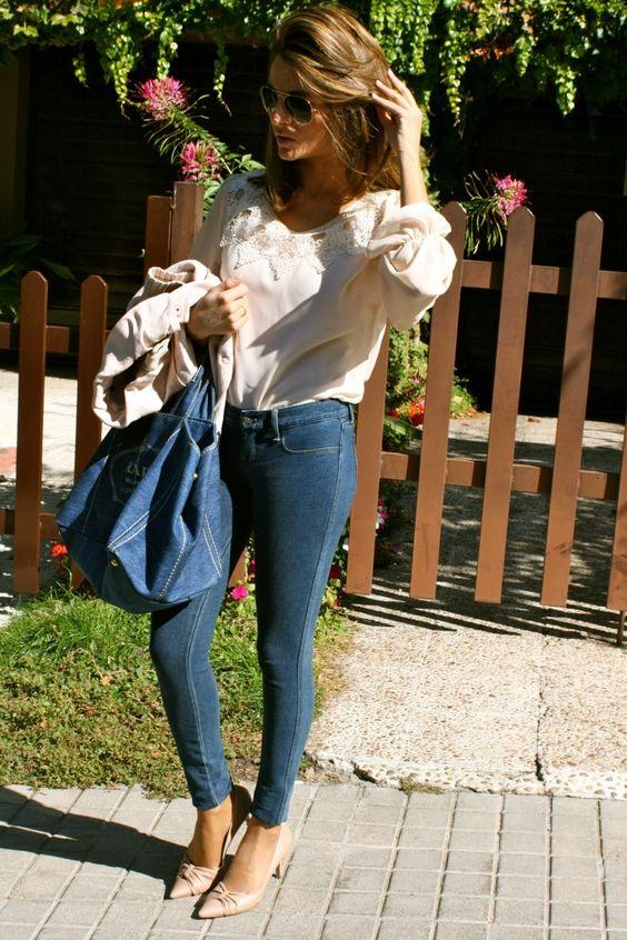 Fashion and Style Blog / Blog de Moda . Post: Denim + Soft Pink / Vaquero + Rosa Suave See more/ Más fotos en : http://www.ohmylooks.com/?p=3827 OhMyLooks by Silvia García Blanco