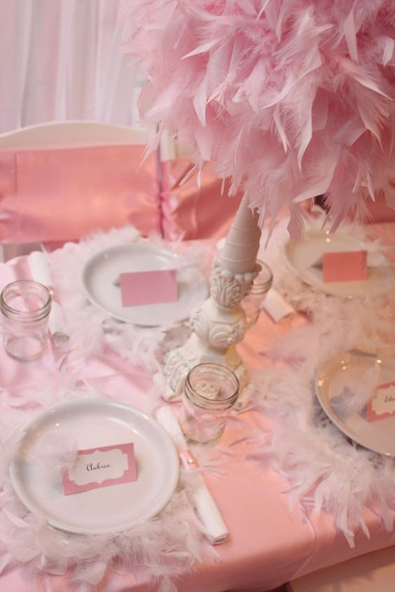 One pretty pin frilly feathery party table feather