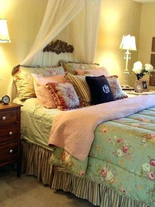 Country Cottage Bedroom Decorating Ideas English Style Bedroom Decorating Ideas Country C In 2020 Country Style Living Room Modern Bedroom Decor Stylish Bedroom Design