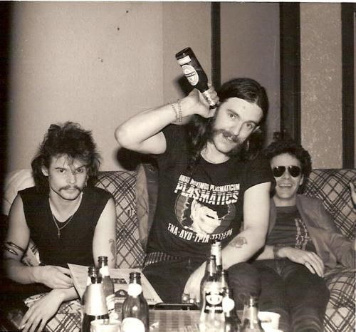 look at how young Lemmy looks! | Lemmy Kilmister | Pinterest | Chang'e ...: https://www.pinterest.com/pin/329396160219386654/