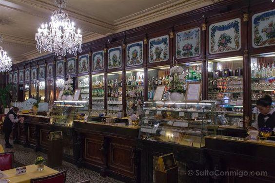 La barra del Caffè Baratti & Milano de Turín