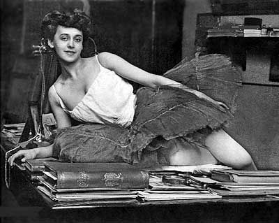 Alfred Eberling - Tamara Karsavina dans l'atelier du photographe