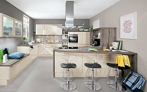 Keukenloods.nl - Rimini #hoekkeuken met kookeiland Deze keuken bestaat uit een hoekkeuken en kookeiland met bar gedeelte.