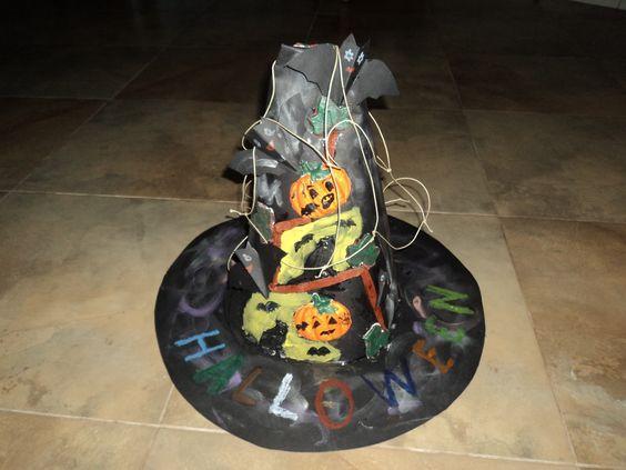 Chapéu realizada por mim para o dia das bruxas.