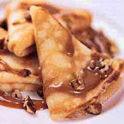 crispy crepes with dulce de leche