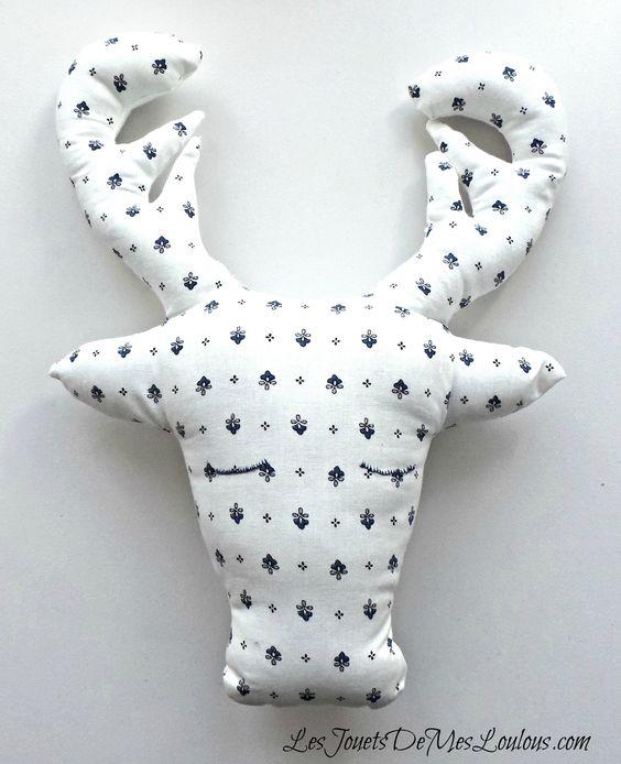 coussin troph e t te de cerf http www. Black Bedroom Furniture Sets. Home Design Ideas