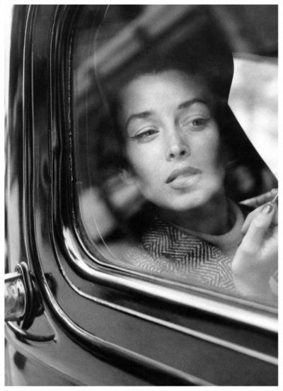 Dorian Leigh photographed by her sister Suzy Parker. Vogue, 1954.