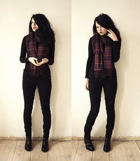Black+Plaid (by Sonja Erzabet) http://lookbook.nu/look/4364035-Black-Plaid