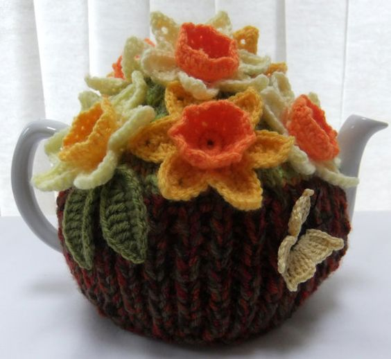 Hand knitted Spring Basket of Daffodils 6 cup floral tea cosy: