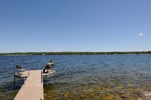 Book Country House Resort In Sister Bay Hotels Com In 2020 Door County Hotels Door County Door County Wisconsin