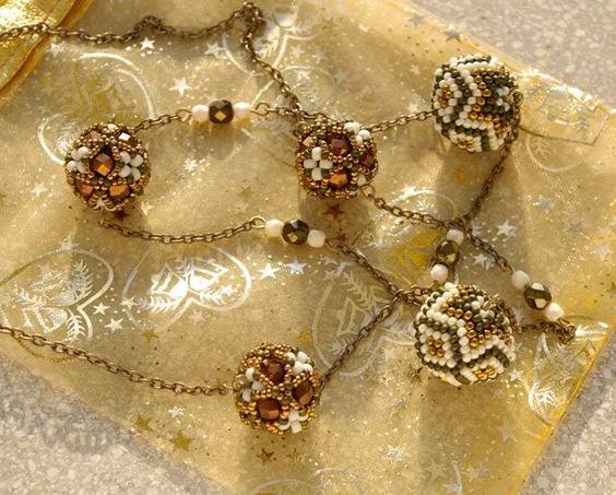 'Mano' gyöngyékszer tervező kézműves ékszerei: november 2008