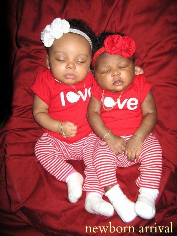 Twin Cousins 1 Month Amp 4 Days Apart Princess Journey Amor