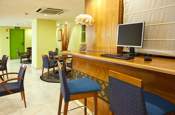 Computers with Wiffi conection in all the Hotel Rex of Madrid. Hotel in Madrid city center. In this modern city, you will discover the combination between the past traditions and the new trending tendences of Madrid city center. Explore the city center of Madrid and enjoy the large number of places this city offers you.  http://www.hrex.es/en/38/cheap-hotel-madrid