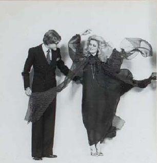1976- Yves Saint Laurent et Catherine Deneuve photo JH Lartigues