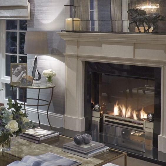 Sophie Paterson Interiors: Sophie Paterson Interiors....lovely Fireplace