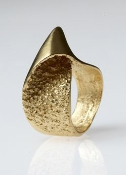 Jewellery by the contemporary jewellery designer BETH GILMOUR. I'm very interested in sculptural jewellery designs at the moment. What a beautiful ring