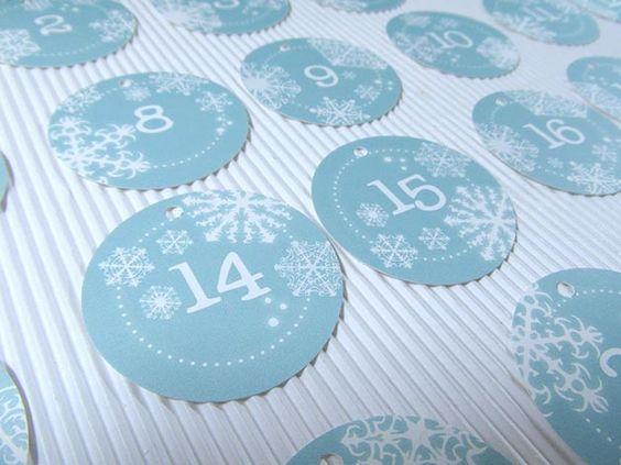 Adventskalender Zahlen 24 Anhänger Adventstüten  von DesignArbyte auf DaWanda.com