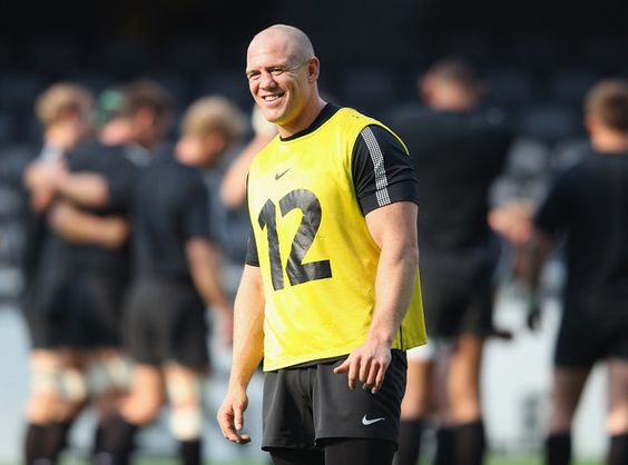 Mike Tindall Photos Photos - England captain Mike Tindall takes part in a training session during an England IRB Rugby World Cup 2011 captain's run at Otago Stadium on September 23, 2011 in Dunedin, New Zealand. - England IRB RWC 2011 Captain's Run