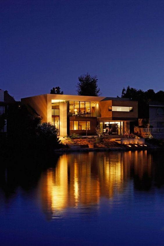 Lake Residence by studio Architekton