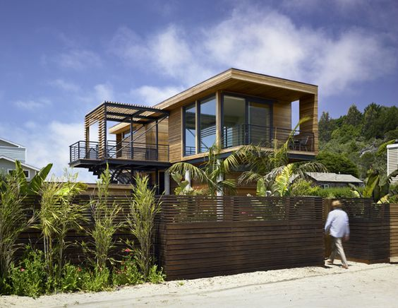 Flood-proof #dreamhouseoftheday in Stinson Beach via @Contemporist .com .com .com