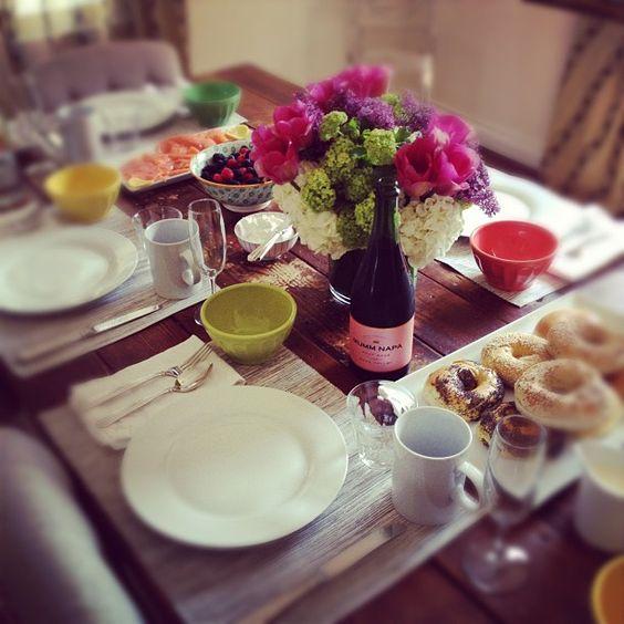 easy, lovely brunch table setting