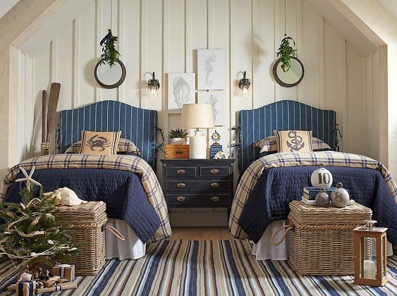 Add some coastal charm to your guest room this season with subtle yet festive accents. #Coastalbedrooms