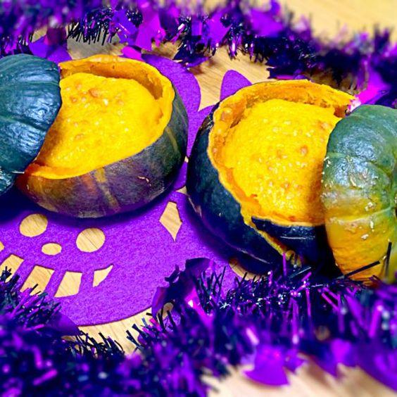 坊ちゃんカボチャが安かったので作ってみたよ。1日早いけど明日のハロウィンパーティ用に^_^すごく簡単なんでズボラな私にビッタリかな - 12件のもぐもぐ - カボチャのチーズケーキ by moopookatik14