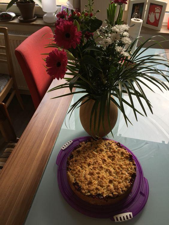Morgensport ist erledigt, heute Nachmittag muss es ein Stück Kuchen sein - Mama hat Geburtstag!