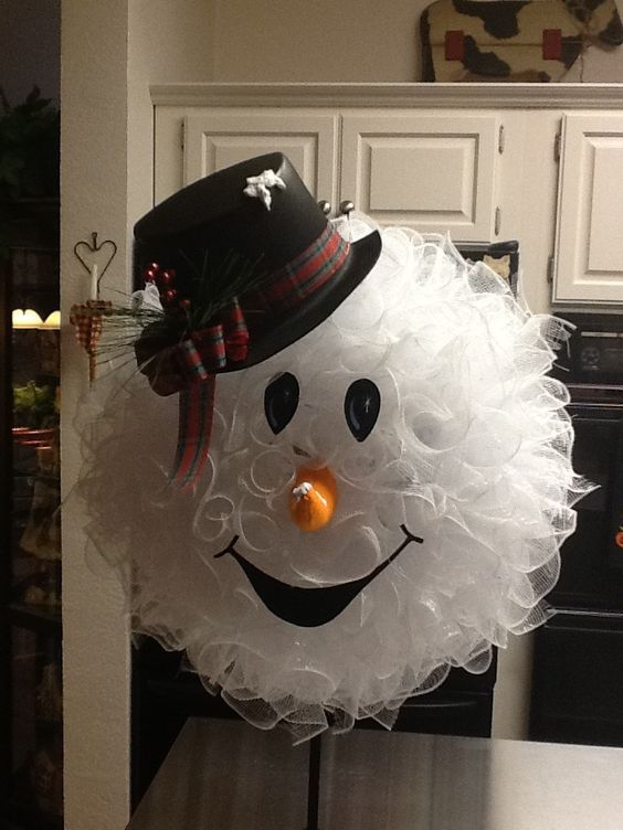 How to make a snowman wreath by Peggy Bond                                                                                                                                                     More