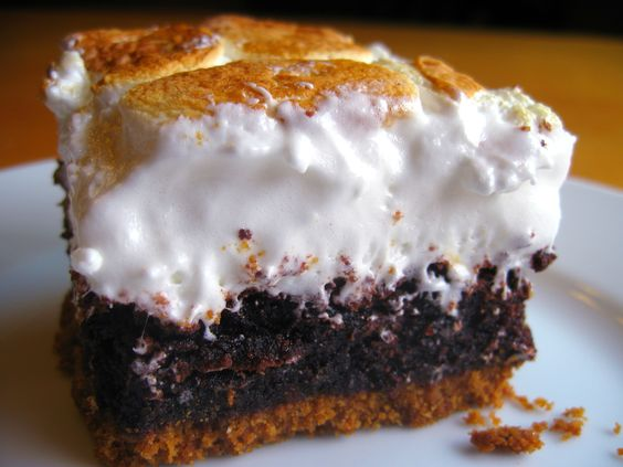 Smores Brownies! I don't like smores but this looks goooood!