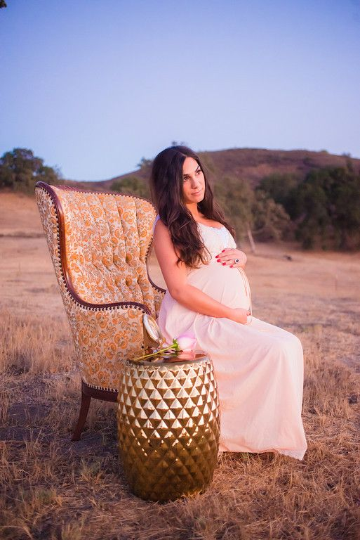 A Maternity shoot Studio La Fleur had the privilege of being apart of