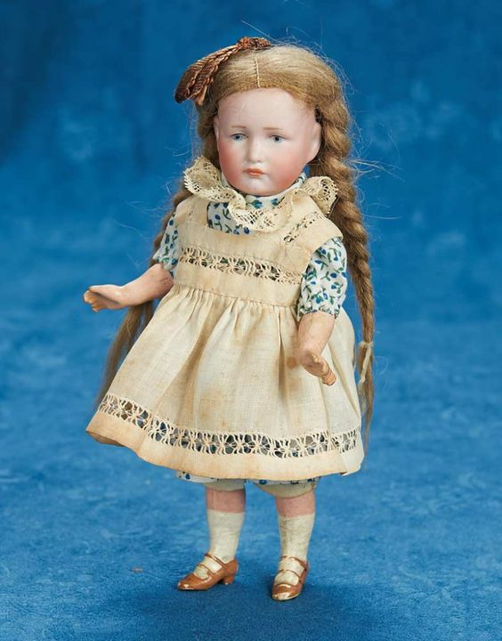 """7"""" (18 cm.) German bisque pouty character, 114 """"Gretchen"""" by K*R"""