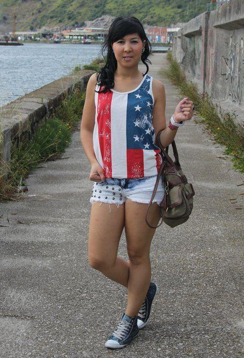 American girl ;)  , romwe en Camisetas, Bershka en Pantalones cortos, Inside en Deportivas, Stradivarius en Bolsos