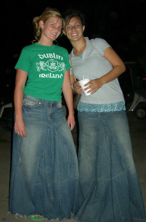 jill duggar wearing a long denim skirt | Long denim skirts ...