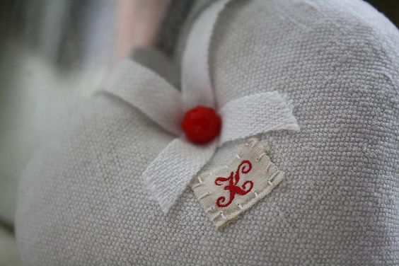 Old monogram on mini lavender heart   Flickr: partage de photos!