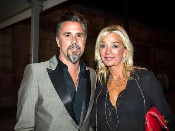 Richard Rawlings con Esposa Suzanne Mergele
