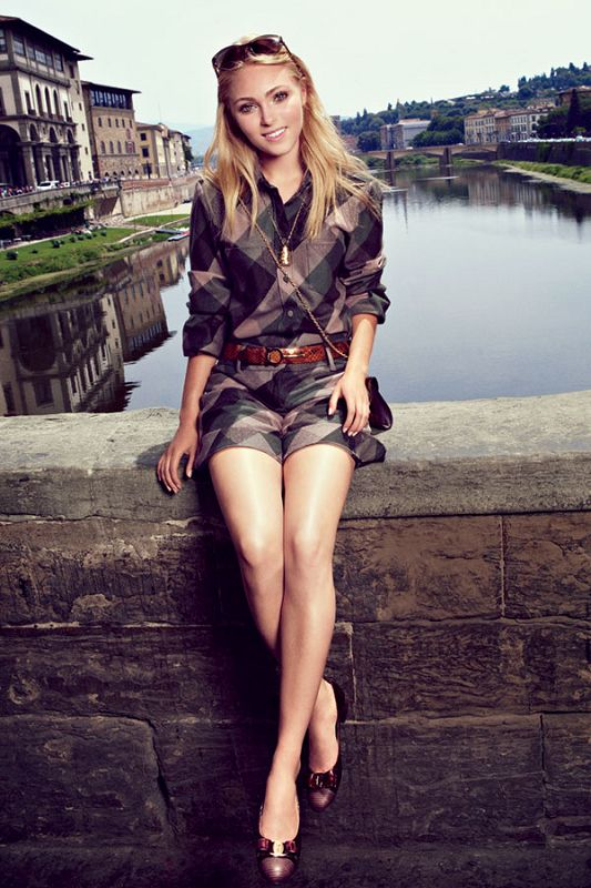 AnnaSophia Robb cant wait to watch the full season of  the carrie diaries