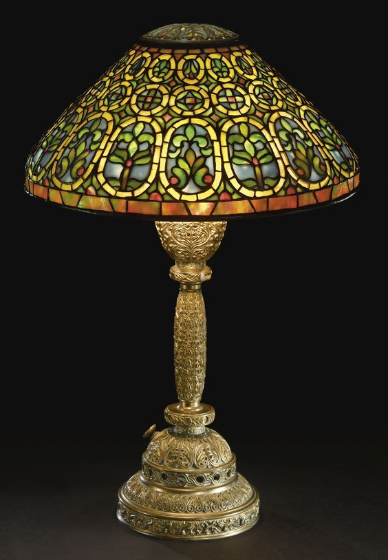50 Fashionable Interior Modern Style Ideas To Rock This Season Antique Lamp Shades Tiffany Style Lamp Tiffany Lamps