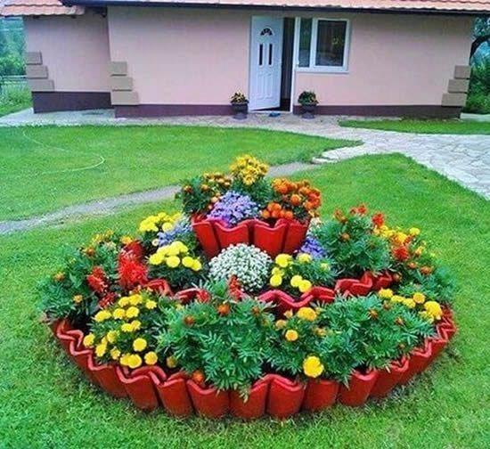 Amazing DIY garden decor with roof tiles #gardendesign