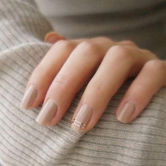 25 Beautiful And Simple Nail Designs For Short Nails Easy Nagel Ideas Cute Sh Nail Tutorials Luxury Nails Simple Nails Trendy Nails