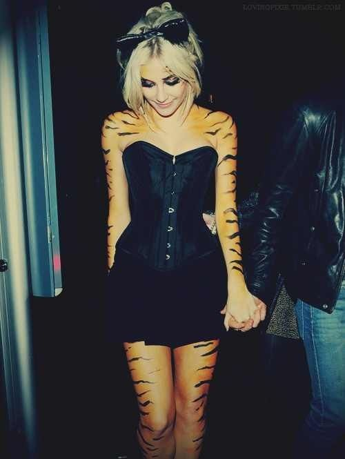 Rawrr! Cute love it