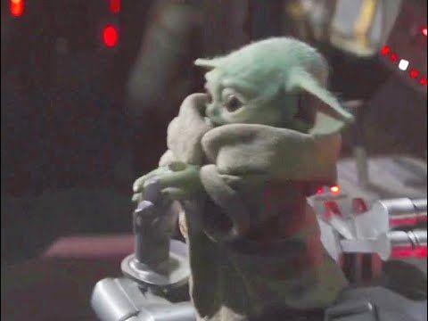 Naughty Baby Yoda Is Driving The Ship The Mandalorian Episode7 Cute Scene Youtube Yoda Wallpaper Yoda Cute