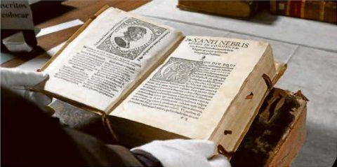Elio Antonio de Nebrija no necesita presentaciones, tampoco su Gramática castellana, la primera impresa de una lengua romance y, además, en los primeros tiempos de la introducción de la imprenta en Salamanca.