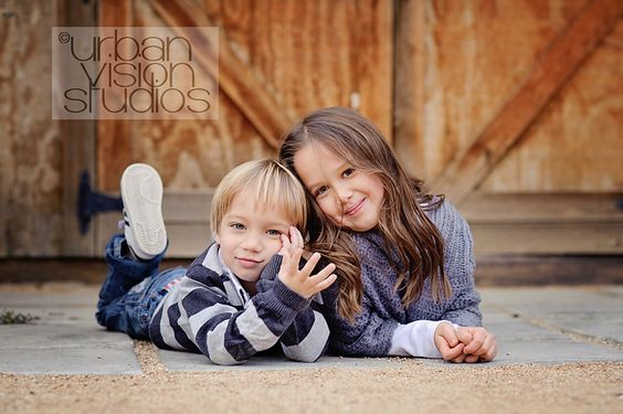 Children Photo Inspiration  Contact Honeybee Photography MN for your family photo needs. www.hbphotomn.com