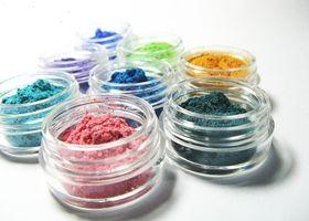 3g jars of vegan mineral eye shadow