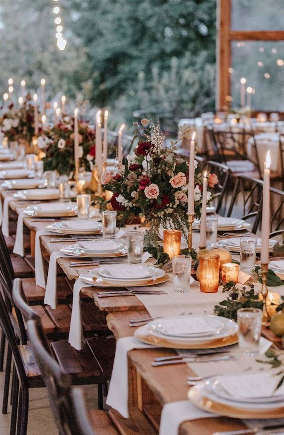 Rustic Chic Wedding Centerpieces On Wooden Table Weddingcenterpieces Weddingtable Outdoorwedding Forestwedding In 2020 With Images