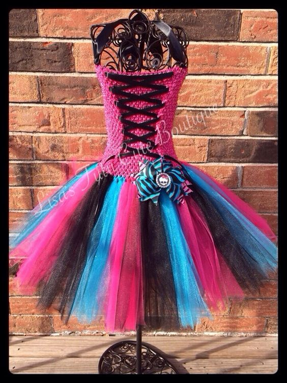 Monster high themed corset dress with matching bow. by LisasTutus, $20.00