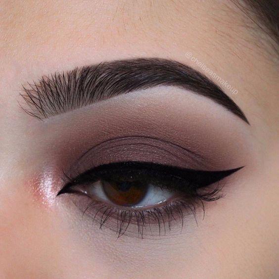 Eye Make Up Smokey Eyes Bold Lipstick And Nail Art Beautiful