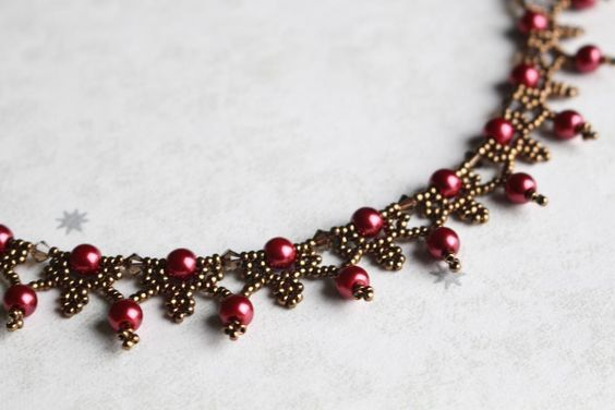 (5) Name: 'Jewelry : Christmas Necklace