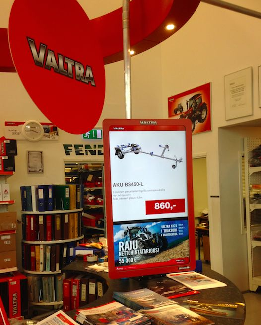 Valtra tractor manufacturer uses Seasam digital signage at it's after sales service points in Finland to promote customers offers and new products.